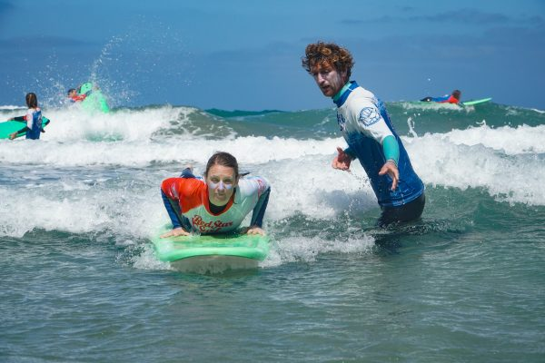 Get all the help and feedback from you surf instructor